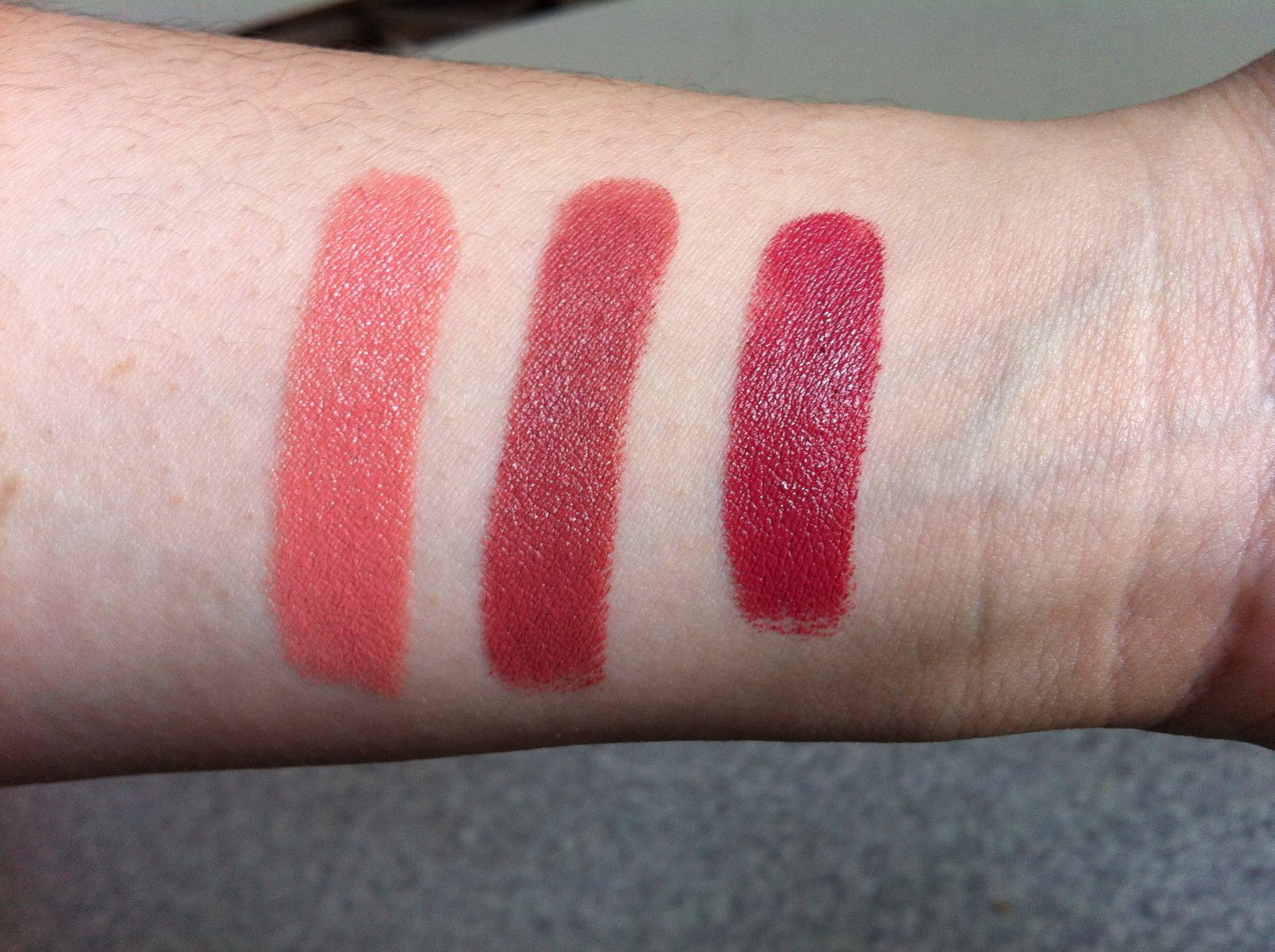 Swatches rouge à lèvre Wet n wild