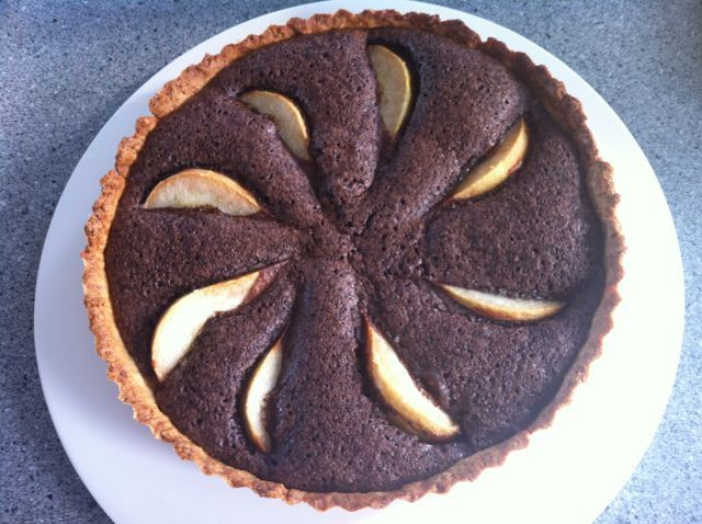 Pear and chocolate pie