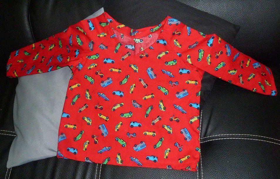 Petite robe d'été et pyjama pour garçonnet