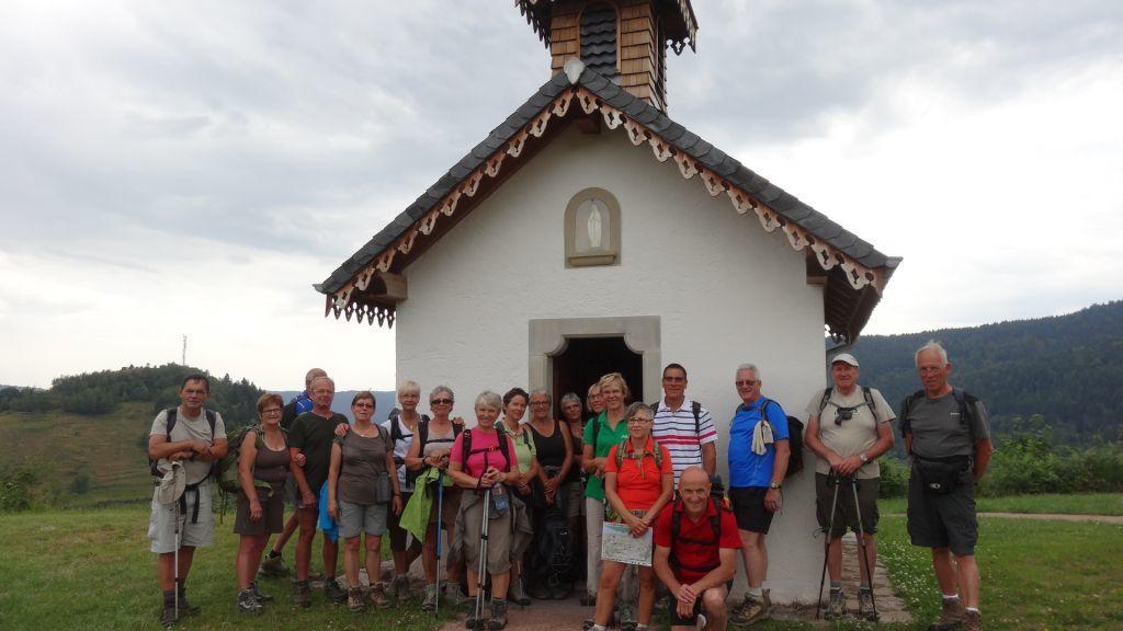 Le groupe devant la magnifique Chapelle de Pitié.