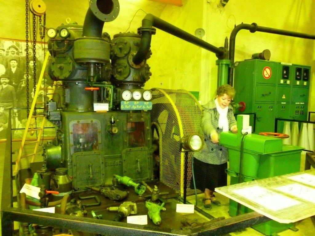 L'après-midi, visite guidée du musée des mines d'Aumetz. Notre guide nous a fait découvrir l'histoire des mines à puits et des explosifs. Merci aux organisateurs pour cette journée enrichissante