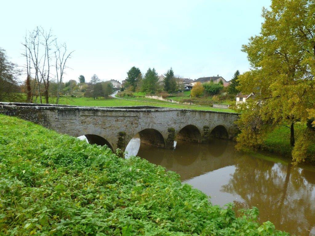 Chez les Gaulois la Saône et le pont des Prussiens