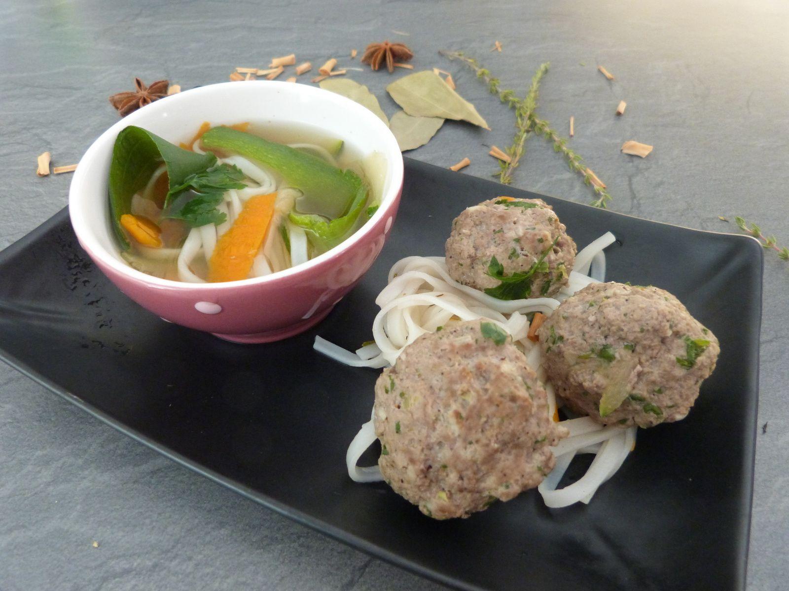 Boulettes de Boeuf, Bouillon à l'Asiatique
