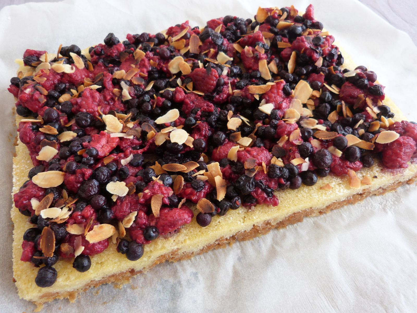 Tarte aux Fruits Rouges Almond Cream - Les Voyages de Gridelle