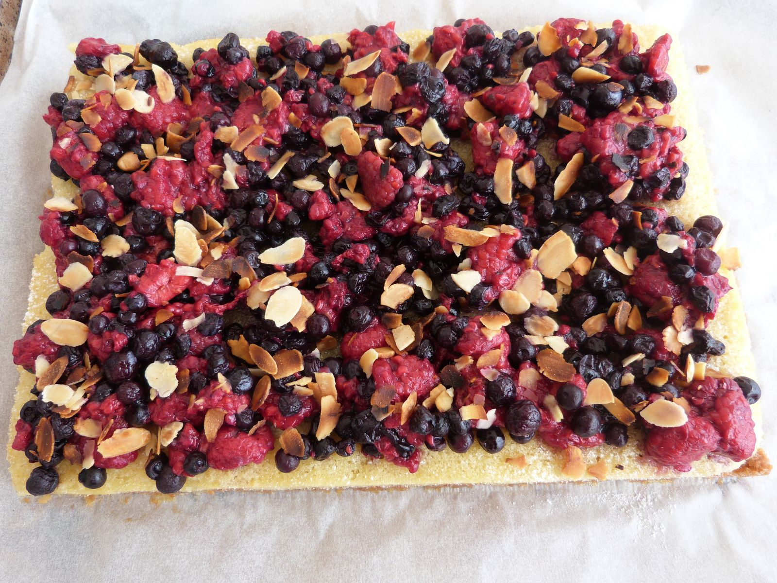 Tarte aux Fruits Rouges Almond Cake