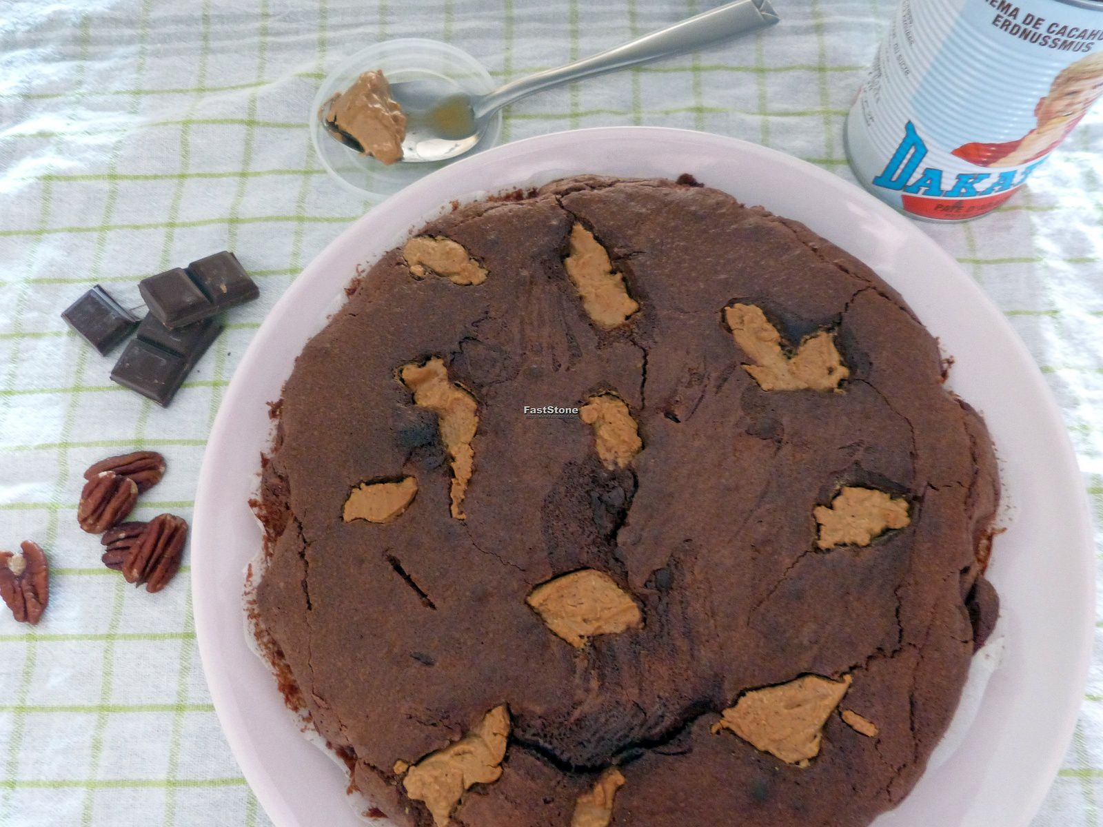 Brownie à la Pralinoise, Beurre de Cacahuète et aux Noix de Pécan - Les Voyages de Gridelle