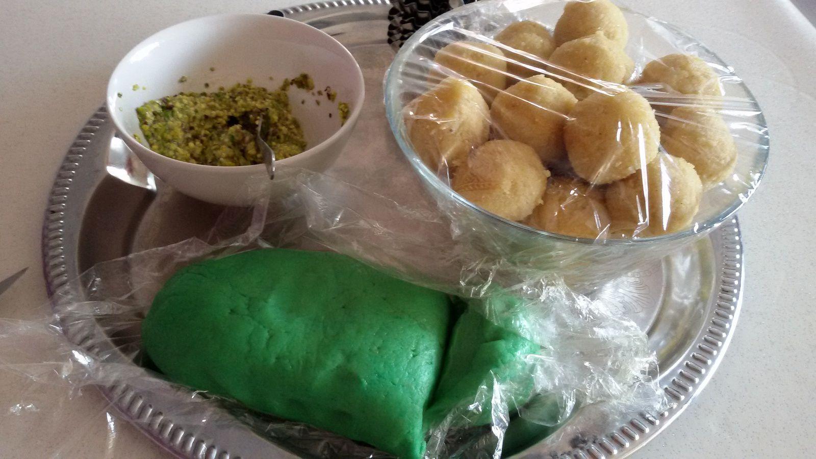 El foustoukyia ( pâtisserie algérienne )