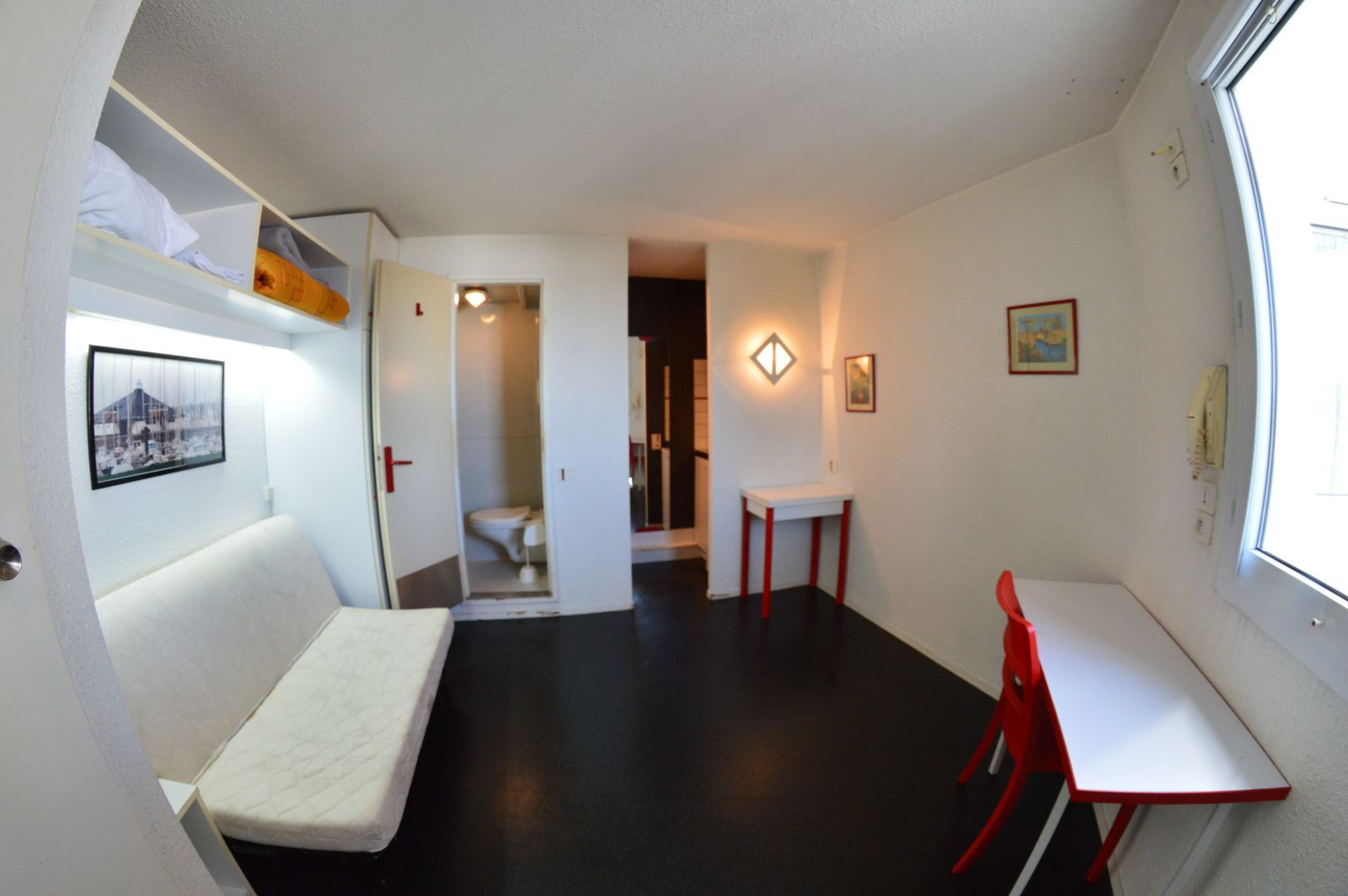 studio meubl nantes est disponible de suite les studios bleus location de studios meubl s. Black Bedroom Furniture Sets. Home Design Ideas