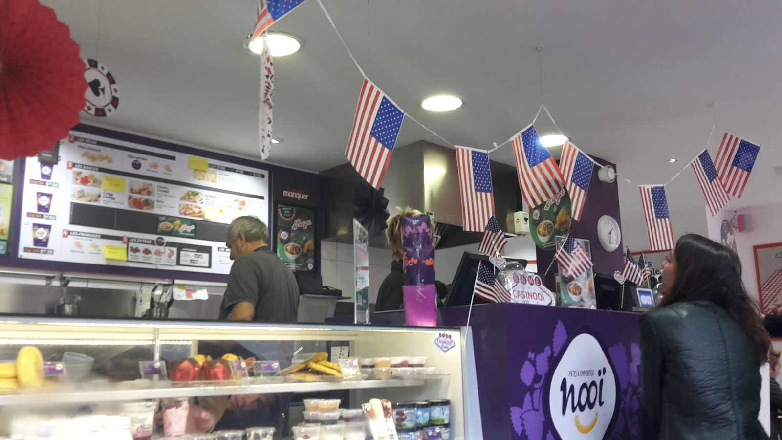Décidemment.../ What's with American flags in French fast food places???