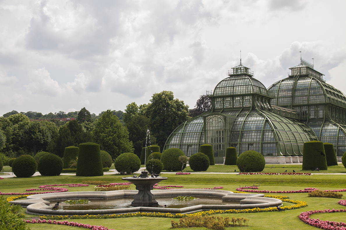 Greenhouse in the Schönbrunn palace gardens, Vienna, Austria - Source: s-tlk.org