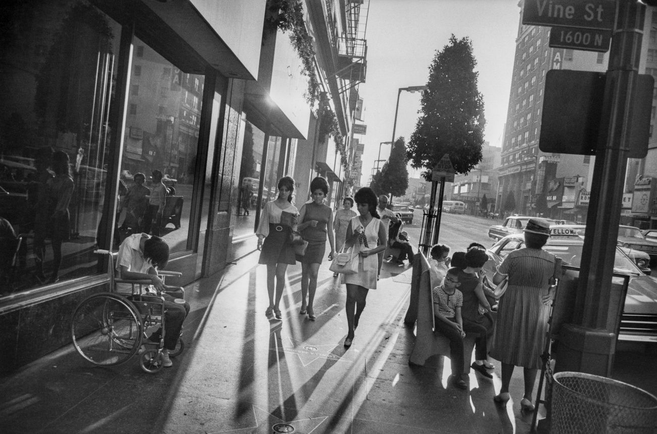 Photo by Garry Winogrand - Via: fraenkelgallery.com