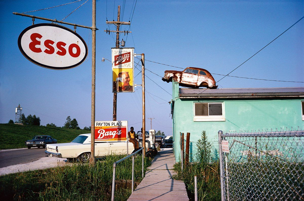 Photo by William Eggleston - Via: leicaphilia.com