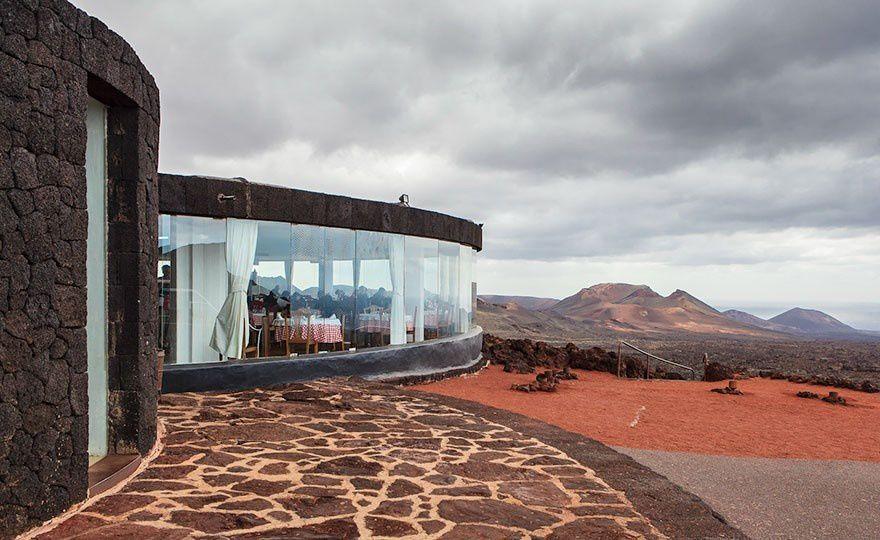 Restaurant El Diablo, Lanzarote, Canary Islands - Via: boredpanda.com