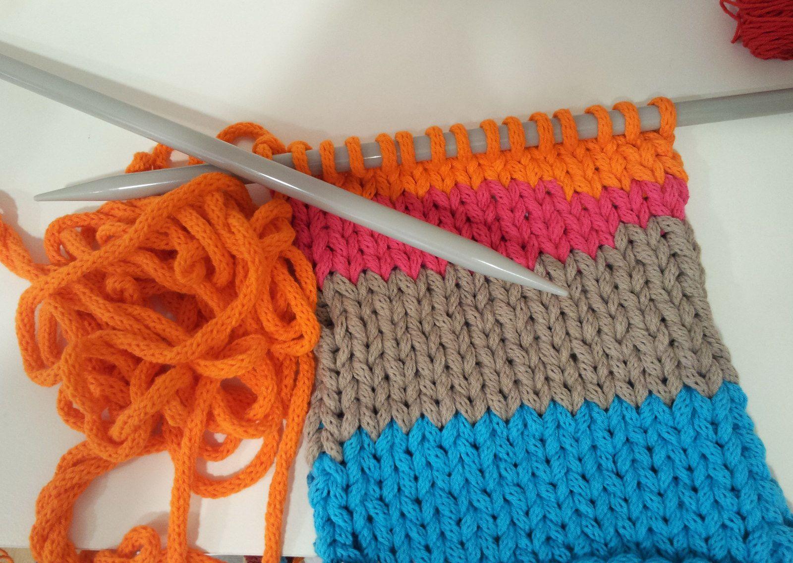 Atelier tricot carolinelouise for Salon tricot