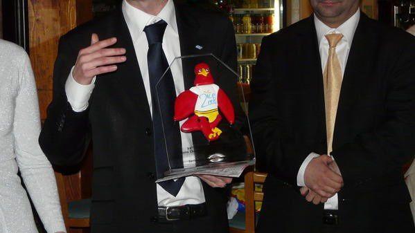 La Mascotte de Nice, rappelant que la JCE 92 a été récompensée en étant membre du « Club de l'Excellence 2008 » de la JCEF (classée 6eme au Niveau national, Sur 166 Jeunes Chambres locales).