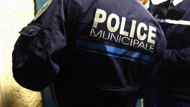 L'homme lourdement armé interpellé à Cannes présenté en comparution immédiate mercredi