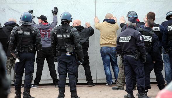 La Voix du Nord : Manifestation de PEGIDA à Calais : passe d'armes entre un syndicat de policiers municipaux (SDPM) et la Ville