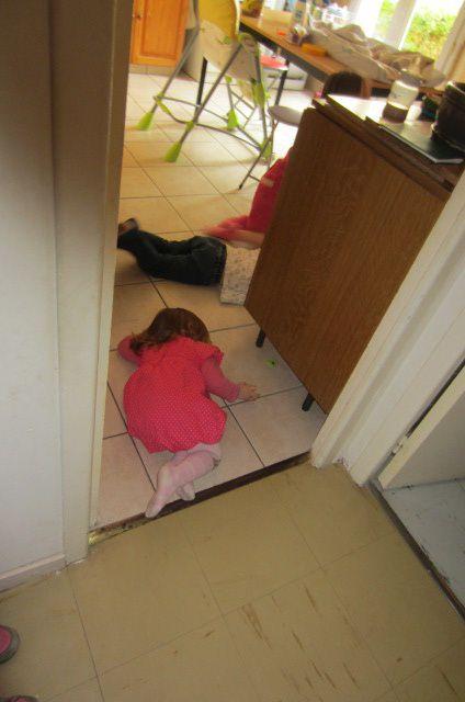 Difficile quand même pour Gribouille d'être tranquille même planquée les enfants sont à l'affut !!!