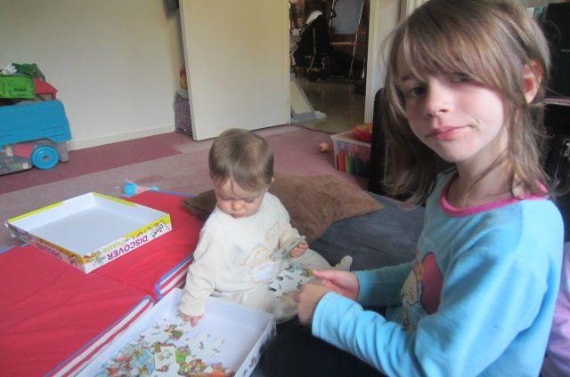 euh maman Lyssana sait faire des puzzles ?