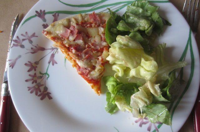 19h : pizza salade les grandes ont le droit aussi à leur repas préféré !
