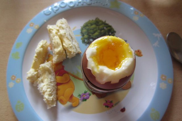 Lundi 22/09 à 12h : oeuf à la coque avec mouillette au beurre