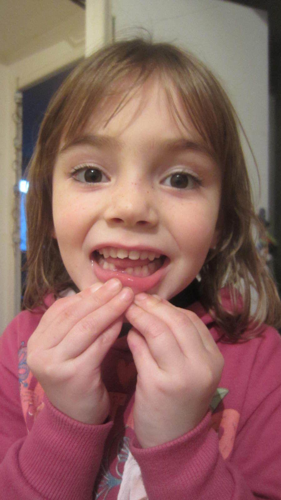 La toute première dent pour ma Zélia :)
