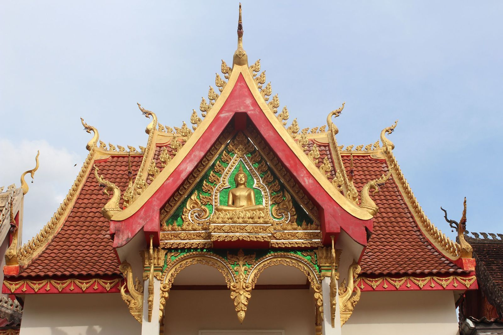 how to get to vang vieng from vientiane