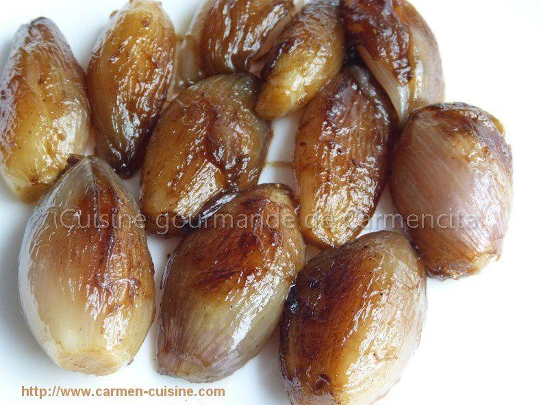 Bavette d'aloyau sauce au poivre vert et échalotes confites