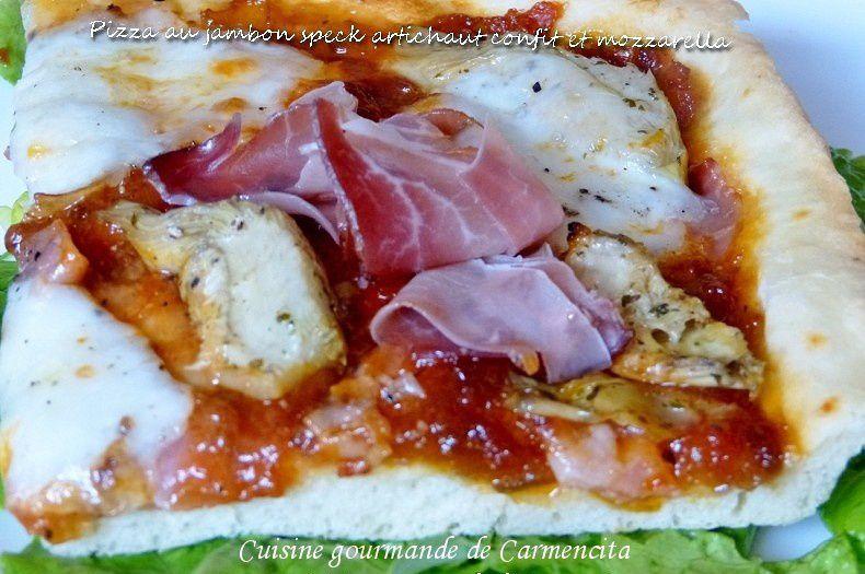 Pizza au jambon spek coeurs d'artichaut et mozzarella