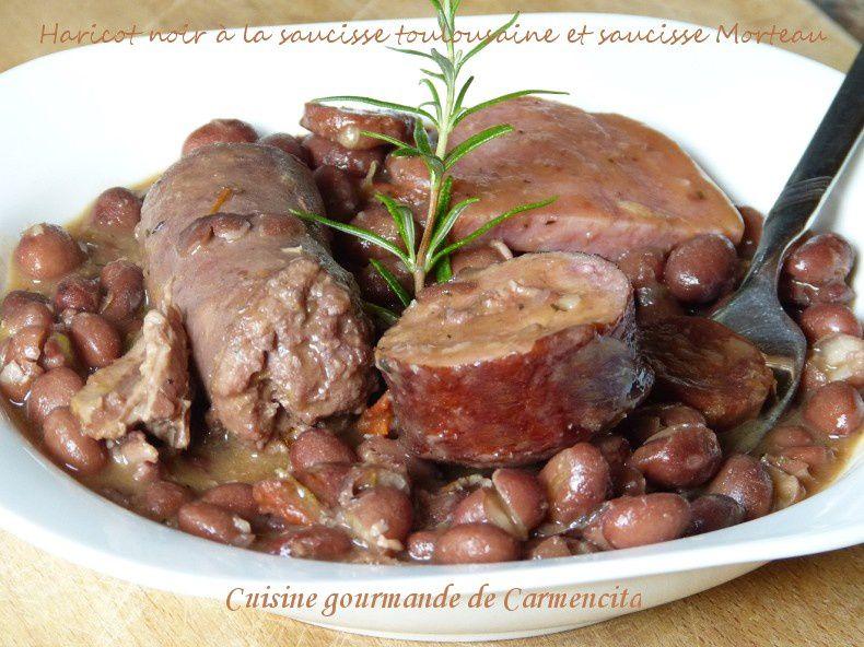 Haricots noirs ((Frijoles negros) à la saucisse toulousaine et saucisse Morteau