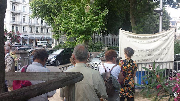 cercle de silence au 10 juin 2015 devant la préfecture du Rhône à Lyon