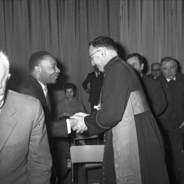 Le pasteur Martin Luther King et Jean-Marie Villot, archevêque de Lyon (1965-1967).
