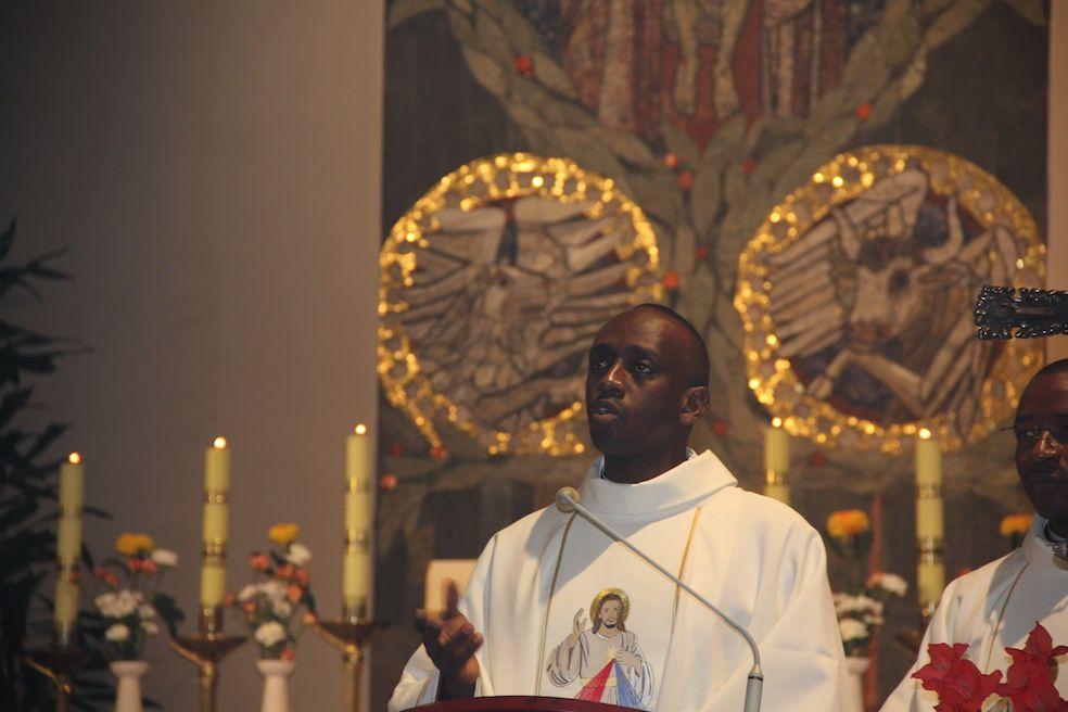 Jean-Claude Kabeza au cours de l'eucharistie d'ordination, samedi 15 octobre 2016