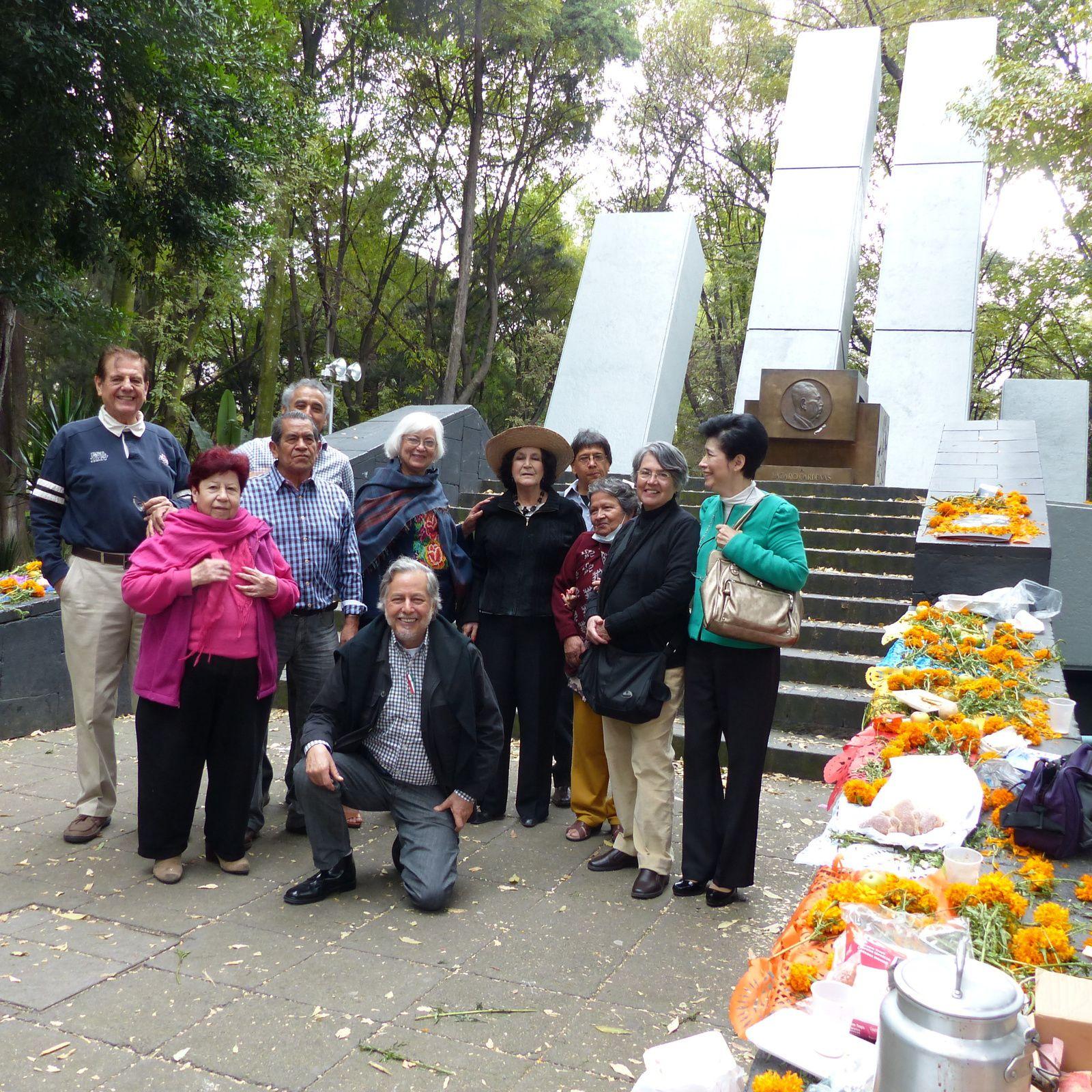 offrande au Monument des républicains espagnols à Cardenas