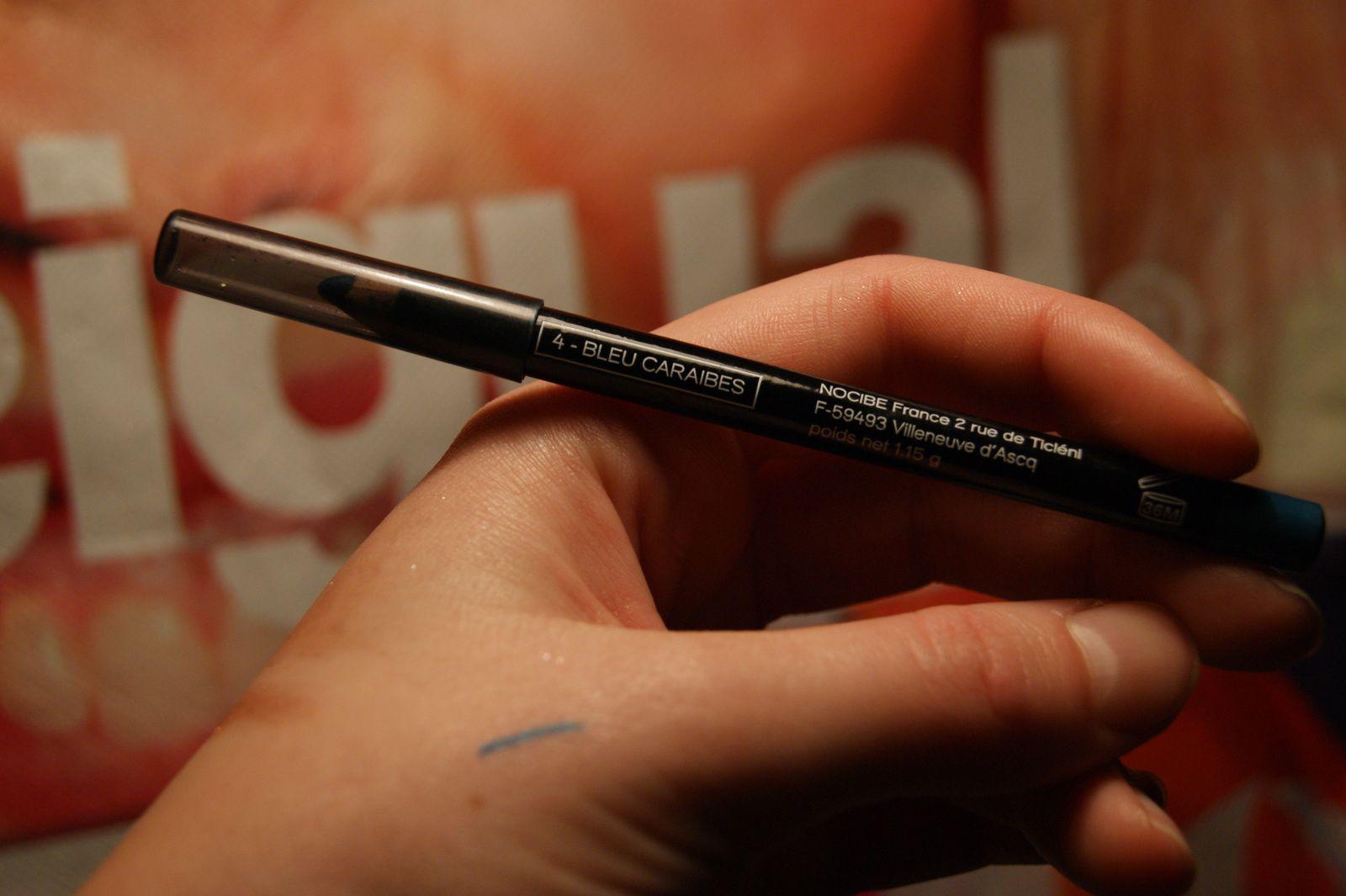 Crayon Yeux Nocibé Regard mystérieux teinte Bleu Caraïbe, revue et swatch, demoisailesfaitdesrevues.over-blog.com