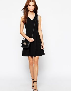 Robes Asos demoisailesfaitdesrevues.over-blog.com indispensables garde-robe dressing