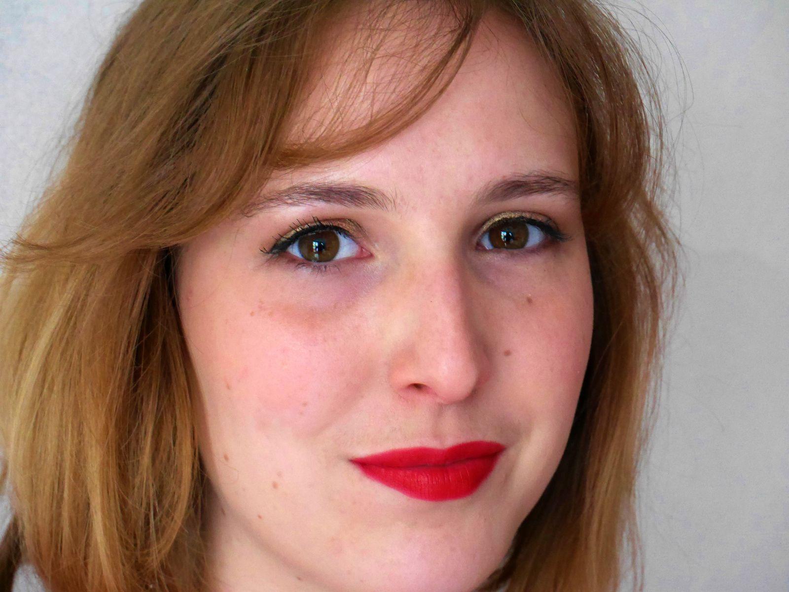 deuxième look, plus marqué au niveau des yeux et du teint. Rouge Edition Velvet de Bourgeois demoisailesfaitdesrevues.over-blog.com