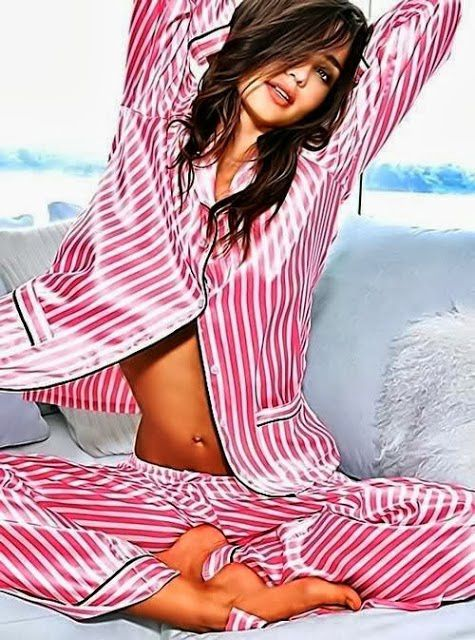 Femme - Brune - Sexy - Pijama - Picture - Free