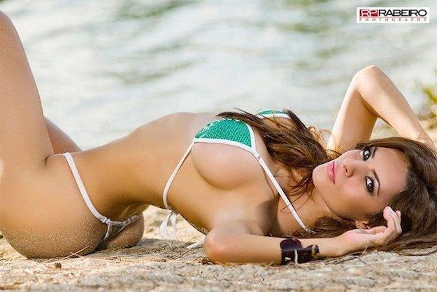 Femme - Brune - Sexy - Bikini - Picture - Free