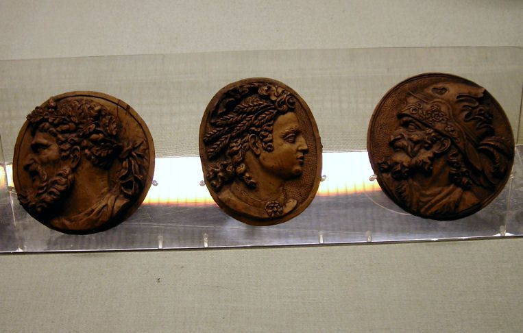 The V&A coins, made of boxwood