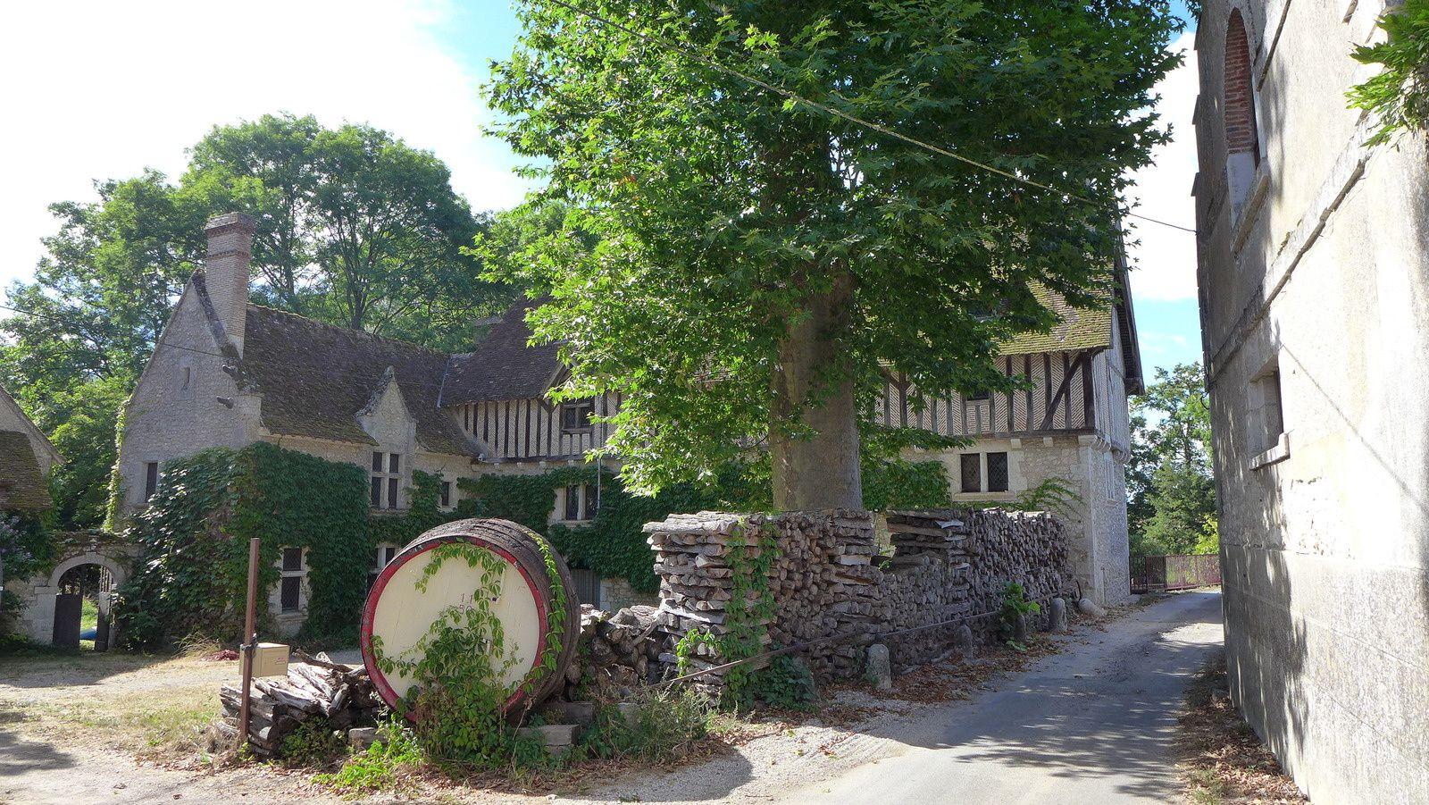 Chteau des Grotteaux, le moulin. un endroit paisible sur le Cosson entre Bois et Chambord.