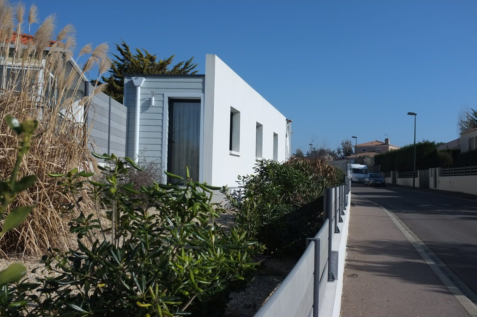 A 400 m de la plage maison neuve contemporaine for Maison neuve originale