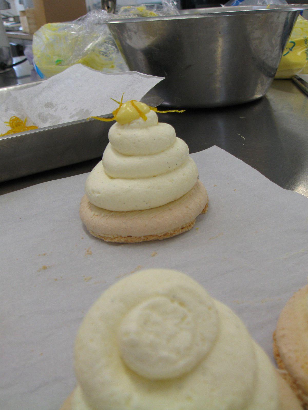 1ère Bac pro boul pât : Dessert Téléthon
