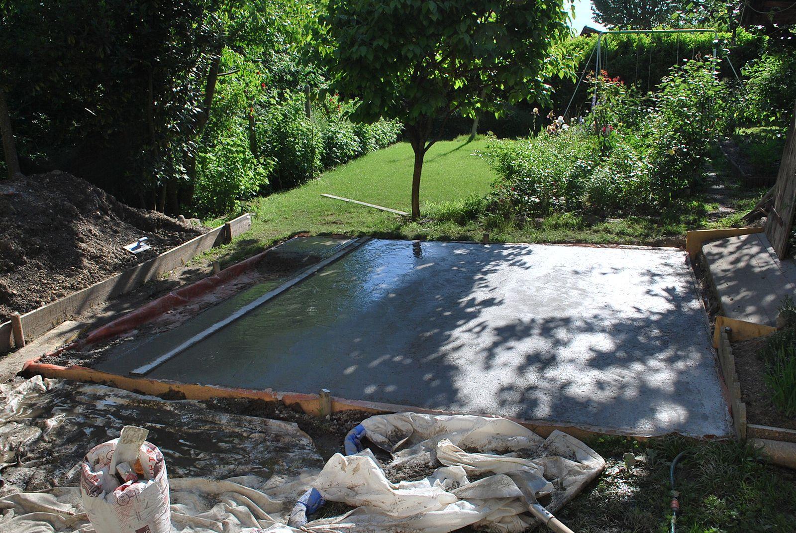 Une dalle pour le jardin mon p 39 tit coin de paradis for Couler une dalle beton interieur