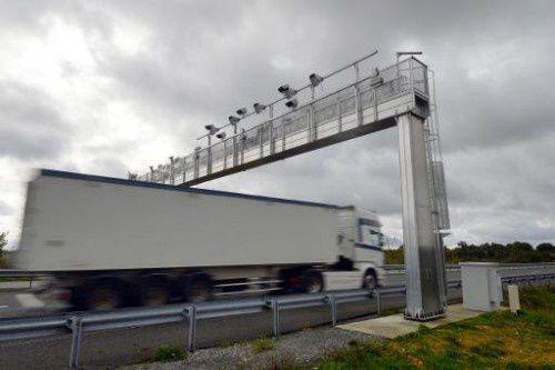 10.000 euros pour démonter le portail écotaxe qui ne sert à rien au-dessus de l'A20