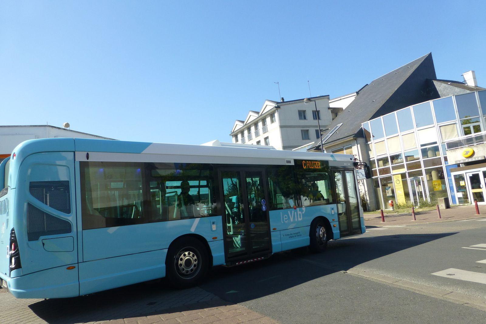 Il est gentil le Père-Noël. La ville de Vierzon fait un cadeau aux usagers du bus (et à ceux qui ne le prennent pas habituellement aussi). Le conseil municipal a annoncé que les bus seront gratuits  les samedi 17 et 24 décembre.