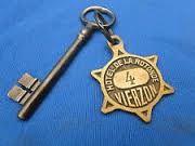 Une clef de l'hôtel...