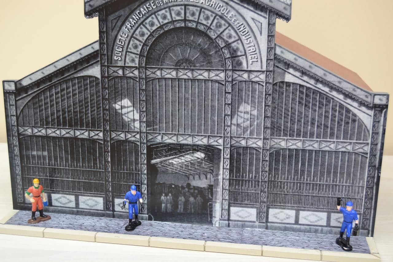 Le grand hall de la Société française en maquettes