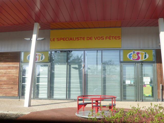 Il y a avait un magasin Festi à l'Orée de Sologne.