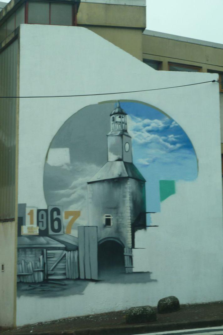 Une fresque est en cours au Tunnel-Château pour les 50 ans du quartier.
